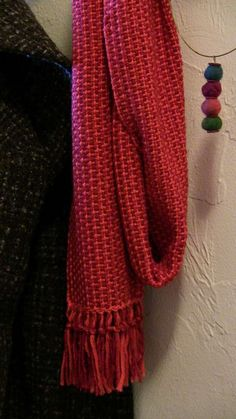 Stitch Red Rigid Heddle Jewelry Scarf Kit ; Beautiful scarf -- and woven on a rigid heddle loom. Wow.