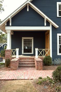 Exterior house siding colors vinyls porches 36 ideas for 2019 Exterior House Siding, Grey Exterior, Exterior Paint Colors For House, Paint Colors For Home, Exterior Design, Paint Colours, Exterior Shutters, Grey Siding, Siding For Homes