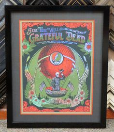 Use multiple layers of colorful mats to draw the eye in to the image. #gratefuldead #customframes