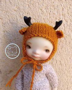 Knitted reindeer hat for Enyo Pukifee Mui chan Lati by Mitilene, €15.00