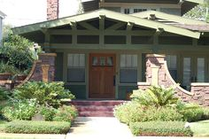 Craftsman airplane bungalow...absolute favorite style of home!!♥♥