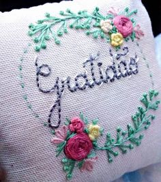 Latest Trend In Embroidery on Paper Ideas. Phenomenal Embroidery on Paper Ideas. Hungarian Embroidery, Brazilian Embroidery, Learn Embroidery, Rose Embroidery, Modern Embroidery, Vintage Embroidery, Embroidery Stitches, Applique Patterns, Craft Patterns