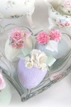 Easter eggs with sugar flowers