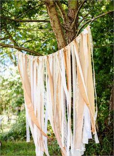 Sweet and Simple Backyard Wedding. Captured by: The Markows #weddingchicks http://www.weddingchicks.com/2014/09/11/sweet-and-simple-backyard-wedding/