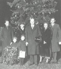 President Hoover and Family in front of the Nation's Christmas Tree, Sherman Square, on Christmas Day, White House Christmas Tree, Christmas Holidays, American Presidents, American History, Holiday Cards, Christmas Cards, Herbert Hoover, Republican Presidents, Vintage Ornaments