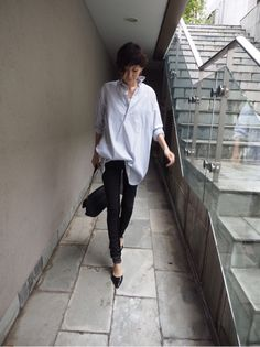 田丸麻紀オフィシャルブログ Powered by Ameba Tomboy Fashion, Office Fashion, Fashion Outfits, Womens Fashion, Royal Blue Outfits, Love Her Style, Japan Fashion, Spring Outfits, Korean Fashion