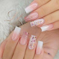 Bling Acrylic Nails, Best Acrylic Nails, Fancy Nails, Trendy Nails, Nail Salon Design, Acylic Nails, Nails Now, Bridal Nail Art, Long Nail Designs