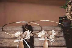 28α. Στέφανα γάμου με διπλή επάργυρη-επίχρυση βέργα και μεταξωτά λουλούδια Our Wedding, Wedding Crowns, Wedding Ideas, Wedding Decorations, Wreaths, Madness, Fascinators, Engagements, Stock Wedding Crowns