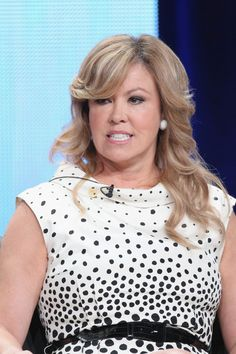 Mary Murphy, judge from FOX's So You Think You Can Dance, supports Got Your 6 and shows her 6 by wearing her 6 pin during an episode