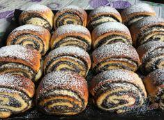 Czech Recipes, Irish Recipes, No Cook Desserts, Dessert Recipes, Cream Cheese Kolache Recipe, Poppy Seed Cookies, Cinnamon Crumble, Pudding Pies, Sweet Dough