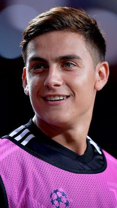 Soccer Guys, Football Players, Antoine Griezmann, Boys Underwear, Football Wallpaper, Juventus Fc, Boyfriend Goals, Cristiano Ronaldo, Cute Guys