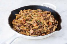 Hamburger Stroganoff Skillet | Cooking Professionally Ground Beef Dishes, Pork Dishes, Ground Beef Recipes, Pasta Dishes, Ground Meat, Ground Turkey, Top Recipes, Meat Recipes, Easy Dinner Recipes