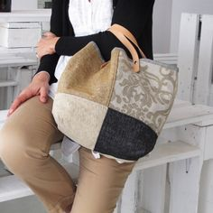 Tote Bags, My Bags, Purses And Bags, Patchwork Bags, Quilted Bag, Bag Quilt, Lace Bag, Diy Sac, Ethnic Bag