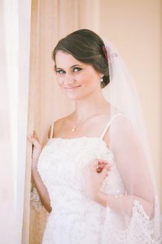 Bride, wedding dress, bridal preparations, mireasa, rochie de mireasa