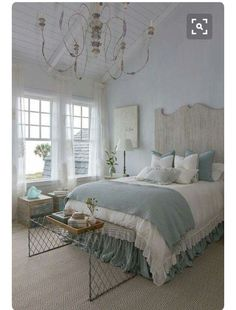 20 Master Bedroom Decor Ideas New home? Feel like you need to revamp your bedroom? These 20 Master Bedroom Decor Ideas will give you all the inspiration you need! Come and check them out Farmhouse Style Bedrooms, French Country Bedrooms, Farmhouse Master Bedroom, Master Bedrooms, Bedroom Country, French Country Bedding, Blue Bedrooms, Country Bathrooms, Country Chic Bedding