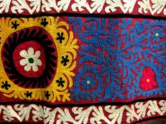 28 suzani_embroidered_textile_ethnic_style_boho_gypsy_interior_design_home_decor_asia_inspirations_styl_etniczny_kolorowe_wnetrze_forelements_blog