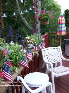 Patriotic Party Recipes & Decorating!  http://ourfairfieldhomeandgarden.com/july-4th-party-ideas-recipes/