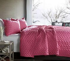 Avani 3-Piece Pink Full/Queen Quilt Set by Lush Decor