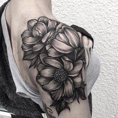 """blackworkers_tattoo: """"Tattoo by @wellertattoos #blackworkers_tattoo #blackworkers #bw #tattoo #blackwork #blacktattoo"""""""