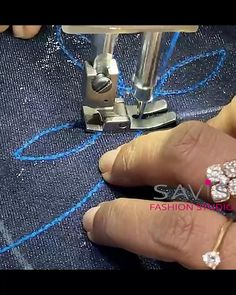 Dress Sewing Tutorials, Dress Sewing Patterns, Sewing Basics, Sewing Hacks, Embroidery Neck Designs, Hand Work Embroidery, Churidhar Neck Designs, Sewing Station, Couture Sewing Techniques