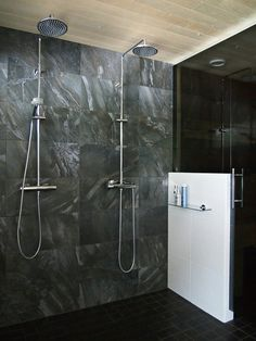 Hannas Home / bathroom / black and white interior Black And White Interior, Bathtub, Bathroom Black, Home, Decoration, Blog, Standing Bath, Decor, Bathtubs