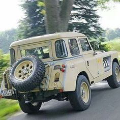 Bell Aurens land rover See this Instagram photo by @landroverphotoalbum