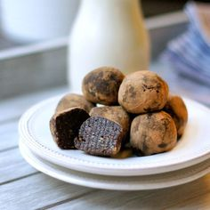 Quick and easy brownie bites that are exclusively sweetened with fruit! These tasty treats are also paleo and vegan friendly.