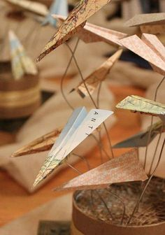 Top 12 Table Settings for Your Father's Day paper airplane centerpiece – empfohlen von First Class and Travel Centerpieces, Party Centerpieces, Graduation Centerpiece, Quinceanera Centerpieces, Aviation Wedding, Travel Baby Showers, Going Away Parties, Travel Party, Wedding Planning