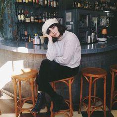 Taylor LaShae - tricot-off-white-calça-preta-boina - boina 2f73406b819