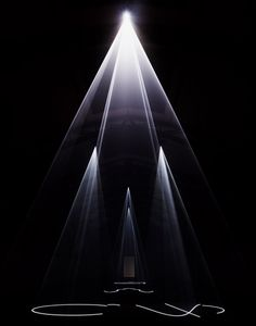 Anthony Mccall: Five Minutes of Pure Sculpture at Hamburger Bahnhof Stage Lighting, Cool Lighting, Digital Projection, Journal Du Design, Lights Artist, Light And Space, Light Installation, Stage Design, Light Art