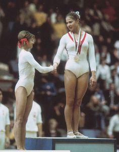 Olga Korbut y Ludmila Turishcheva Gymnastics History, Nadia Comaneci, Acrobatic Gymnastics, Gymnastics Photography, Gymnastics Pictures, Olympic Sports, The Girl Who, Champion, Hero