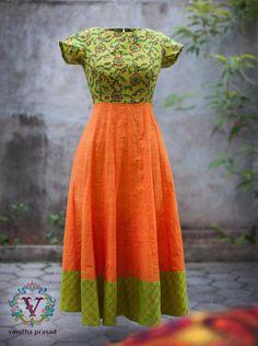 Order contact my WhatsApp number 7874133176 Simple Kurti Designs, Fancy Blouse Designs, Dress Neck Designs, Kalamkari Dresses, Ikkat Dresses, Long Gown Dress, Sari Dress, Frocks And Gowns, Designer Anarkali Dresses