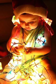 babies and christmas light photography