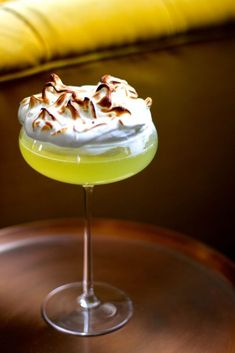 The sharp lemony alcohol balanced with the sweet, marshmallowy meringue is refreshing and addictive. Ingredients (per portion) * fresh lemon juice * caster sugar * limoncello liqueur * Sparkling water a - Champagne Cocktail, Cocktail Drinks, Cocktail Recipes, Cocktail Shaker, Recipe For Cocktails, Cherry Cocktails, Limoncello Cocktails, Lemonade Cocktail, Fancy Drinks