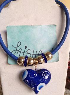 Collar pintado a mano  Facebook Bisutería Laisha