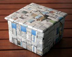 Alicia en el país de las Maravidades: Caja de cartón y periódico Diy Arts And Crafts, Diy Crafts Videos, Diy Craft Projects, Diy Crafts To Sell, Easy Crafts, Recycled Paper Crafts, Newspaper Crafts, Cardboard Crafts, Diy Cadeau