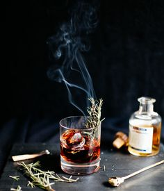 How to: Make Smoked Cocktail Garnishes for Extra Flavorful Drinks : manmadediy