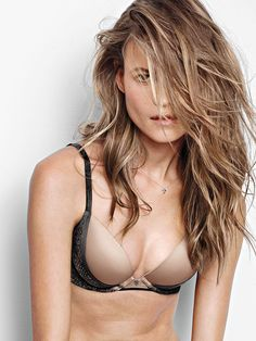 """Fact: everyday lingerie should look as good as it feels. Enter the Fabulous Push-Up. Soft, lightweight and somehow still sexier than ever, it gives you just the right amount of lift. The lace details just add to the whole """"sexy without even trying"""" appeal. 