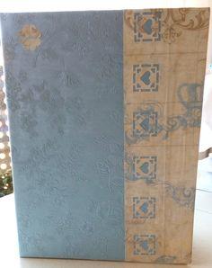 Tarjeta con cartonaje, papeles decorativos troquelados