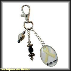 """Porte-clés ou bijou de sac avec message personnalisé """"Endo-girl"""" et cristal Swarovski : Porte clés par les-bijoux-du-belier"""