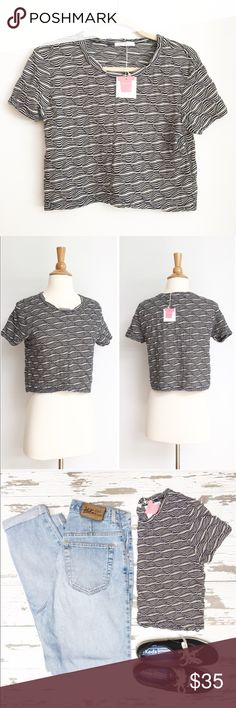 ⭐️NWT⭐️ ZARA Crop Top Top is new with tags without any defects. The fabric content is 60% polyester & 40% cotton. The length from shoulder to hem is approximately 17 inches, and the bust measurement laying flat is approximately 17 inches across from armpit to armpit. Zara Tops Crop Tops