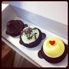 cupcakes! cupcakes, cupcakes, CUPCAKES! ieatishootipin