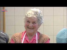 Fánk sütés Kati néni módra - YouTube Einstein, Youtube, Drink, Beverage, Youtubers, Youtube Movies, Drinking