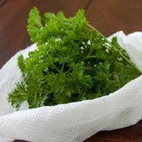 A papírtörlő 9 felhasználási módja… ezekre eddig nem is gondoltam! Herbs, Food, Essen, Herb, Meals, Yemek, Eten, Medicinal Plants