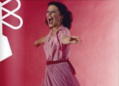 """No baú do fotógrafo que Paulo Kawall, 55, guarda em sua casa na Vila Madalena estão guardadas imagens de valor incontável. Nele há centenas de fotos da mulher que ele considera a melhor cantora do Brasil: Elis Regina. Ali estão cliques feitos em estúdios ou shows que deverão virar um livro de edição única -...<br /><a class=""""more-link"""" href=""""https://catracalivre.com.br/geral/dica-digital/indicacao/sobre-as-fotos-de-elis-regina-e-outras-historias/"""">Continue lendo »</a>"""