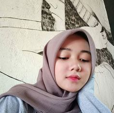 Setahunbaru: Happy Hijab Girl Has a Love Beautiful Hijab Girl, Beautiful Muslim Women, Beautiful Asian Girls, Pretty Girls, Hijabi Girl, Girl Hijab, Hijab Outfit, Indonesian Girls, Hijab Chic