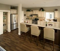 Many buyers purchase a home based on their evaluation of the kitchen. See the 2016 kitchen remodeling trends so you know what to expect in the coming year.