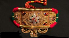 Most essential bridal accessories with their significance for a complete bridal look Indian Wedding Jewelry, Indian Jewelry, Mughal Jewelry, Royal Jewelry, Bridal Jewellery, Gold Jewellery, Black Mehndi Designs, Pearl Necklace Designs, Antique Necklace