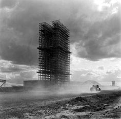 Oscar Niemeyer: Brasilia en construcción, por Marcel Gautherot