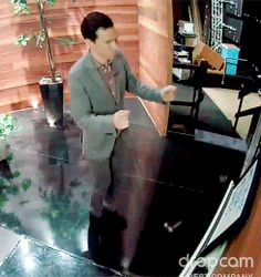 (Click through for four .gifs.) Benedict Cumberbatch warming up his dancing moves backstage at The Ellen DeGeneres Show.